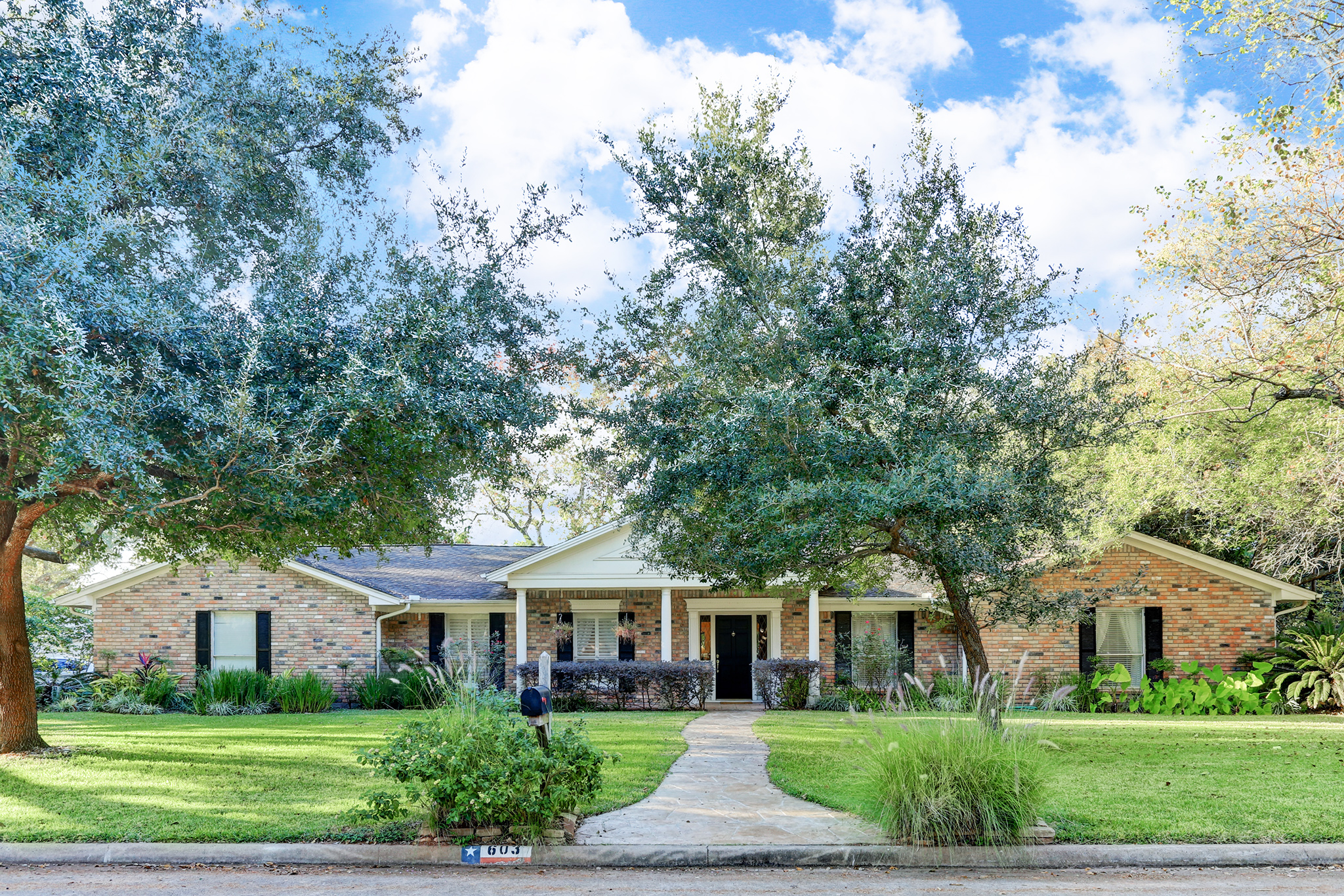 New listing in Venetian Estates, Sugar Land!